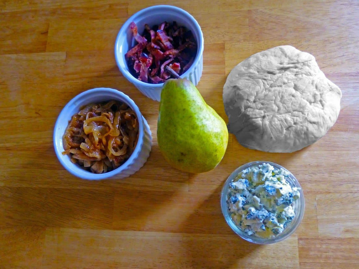 Ingredients for Caramelized bacon pear pizza
