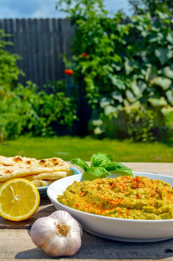 Roasted Garlic & Basil Hummus/Houmous with lemon and garlic